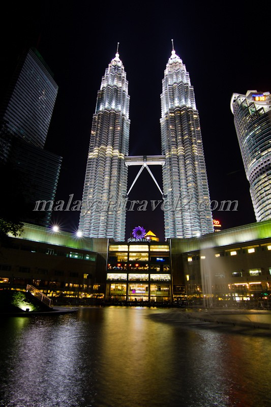 Petronas Twin Towers light up at night