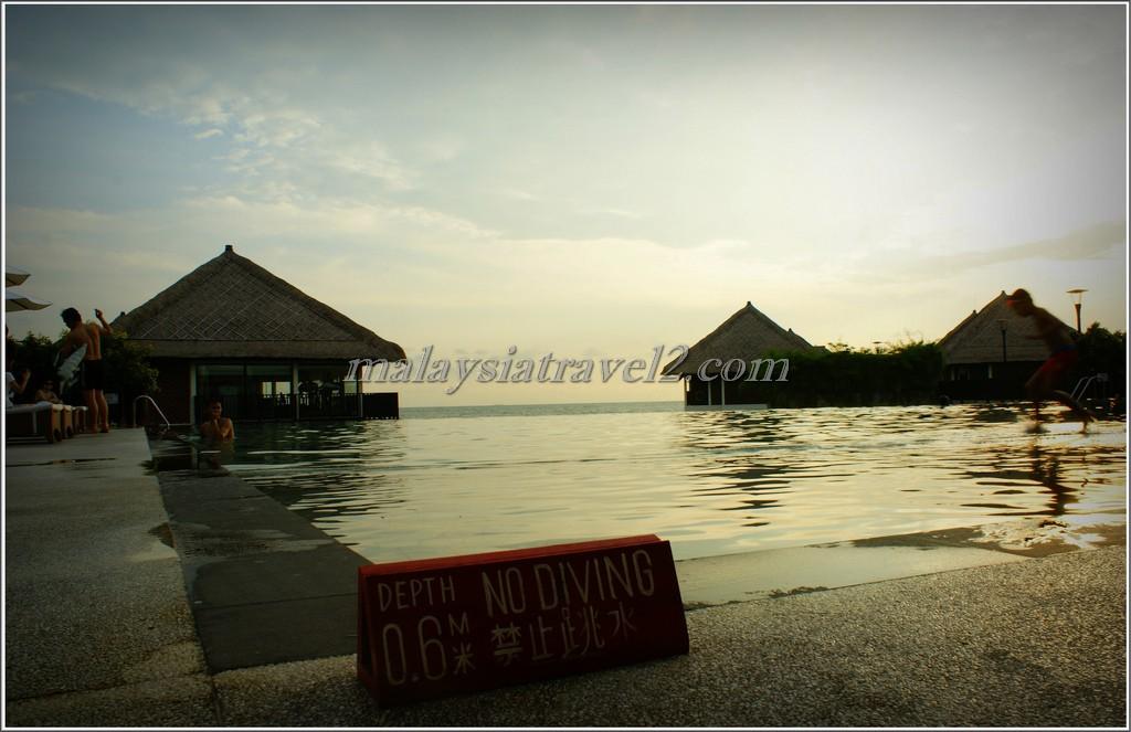المسبح في فندق جولدن بالم تري ماليزيا5