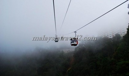 Skyway cable cars Genting تلفريك جنتنج هايلاند