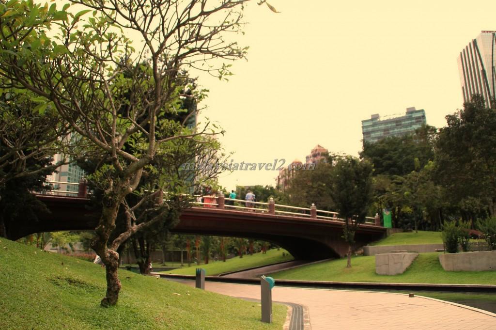 حديقة البرجين التوأم8