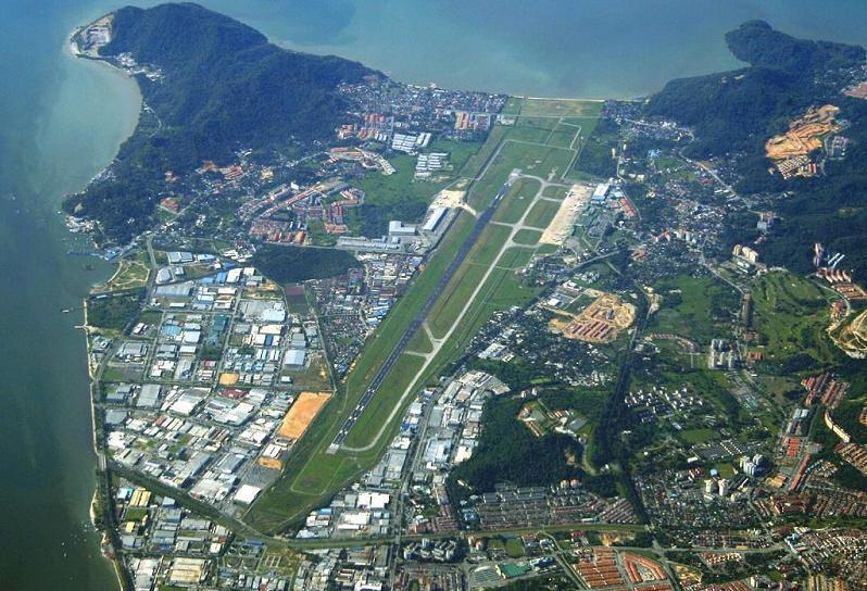 مطار جزيرة بينانج من الجو