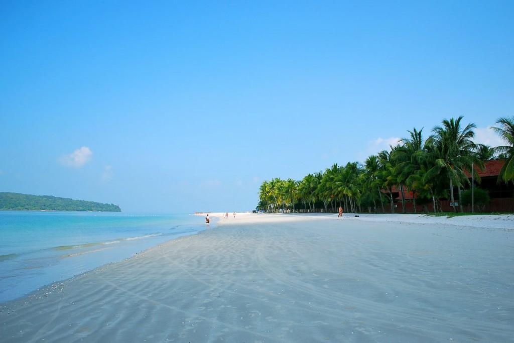 1200-cenang-beach