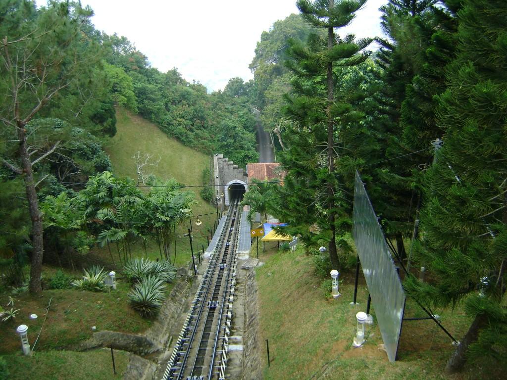 صوره لمسار القطار في هضبة بينانج