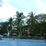مسبح مقابل فندق هوليدي فيلا لنكاوي