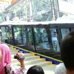 هاهو القطار امامنا في هضبة بينانج