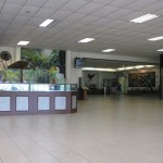 مطعم و محل بيع الاطعمة للطيور و شباك التذاكر حديقة الطيور في جزيرة لنكاوي ماليزيا