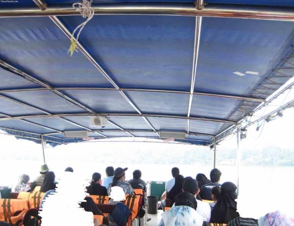 القارب المتجة الى الغوريلا في بينانج