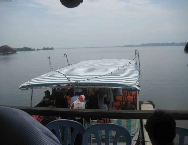 قارب الانطلاق في الغوريلا في بينانج