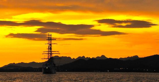 sunset cruise رحلة الغروب في لنكاوي