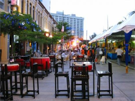 السوق الليلي