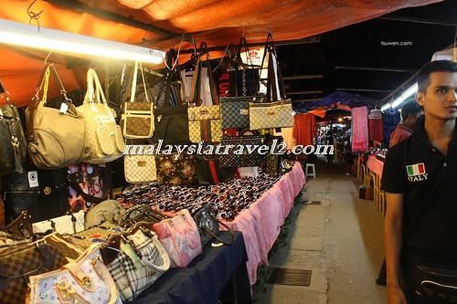 Penang Night Marketالسوق الليلي في بينانج