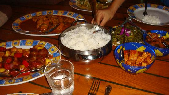 العشاء في رحلة الغروب