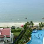 من البلكونه على البحر و مسبح فندق فلامينقو في بينانج