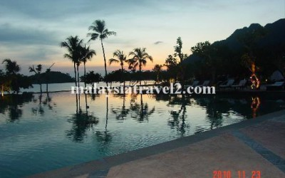 awesome-swimming-pool The Danna Langkawi Hotel فندق دانا لنكاوي