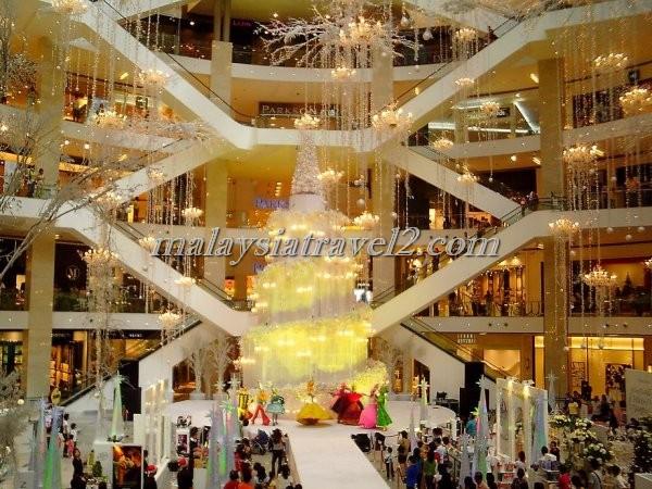 Pavilion Kuala Lumpur مجمع بافليون التجاري في كوالالمبور1