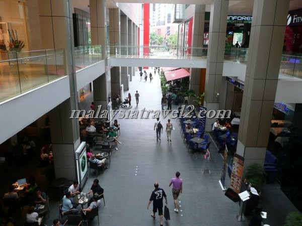 Pavilion Kuala Lumpur مجمع بافليون التجاري في كوالالمبور2