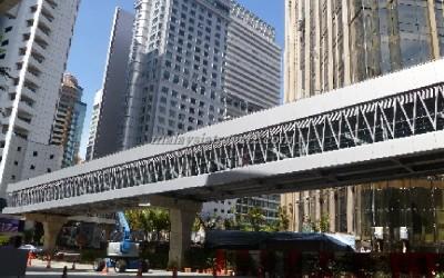 PEDESTRIAN WALKWAY جسر المشاة المكيف في شارع العرب كوالالمبور6