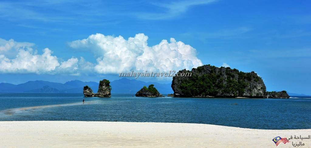 Tanjung-Rhu-Beach1