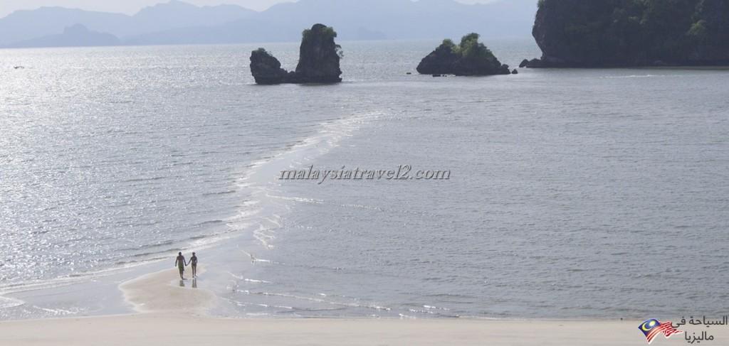 Tanjung-Rhu-Beach2