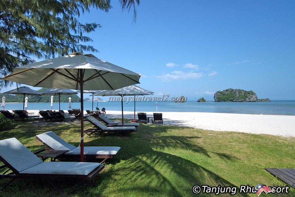 Tanjung-Rhu-Beach4