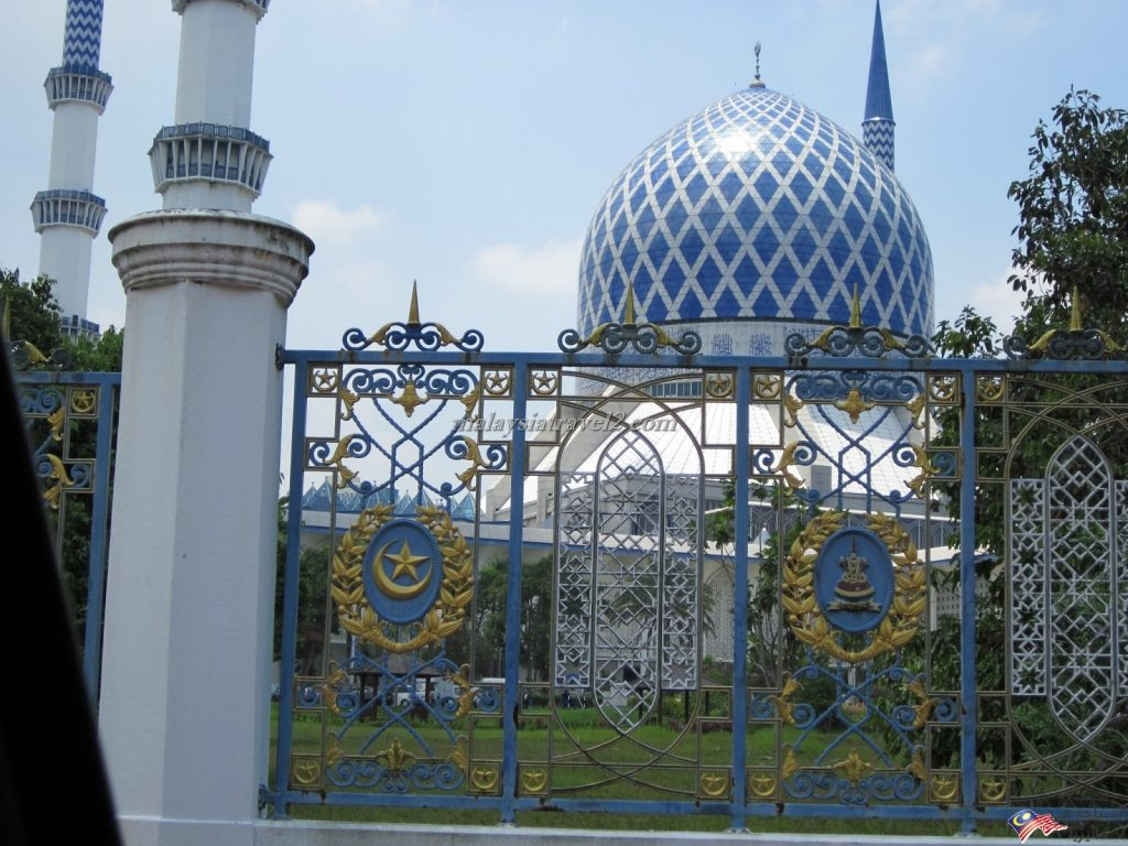 blue mosque malaysial14