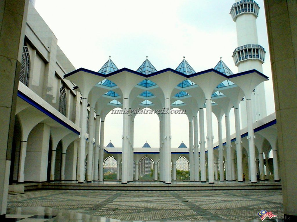 blue mosque malaysial15