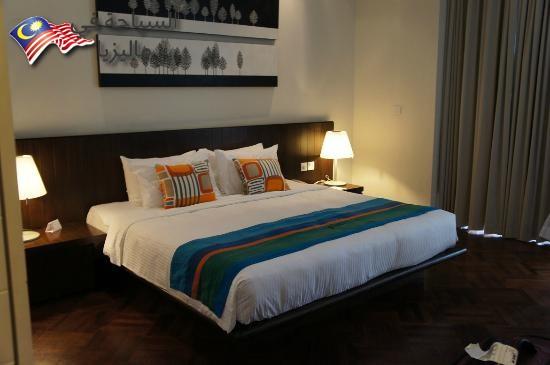 lone-pine-hotel (1)