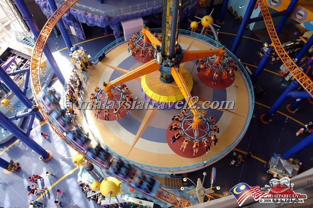 this-machine-lifts-you-high-up-big